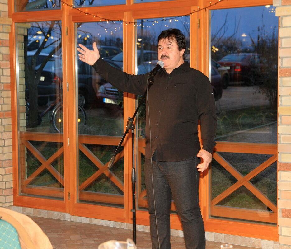 Maksa Zoltán a céges évzáró rendezvényen