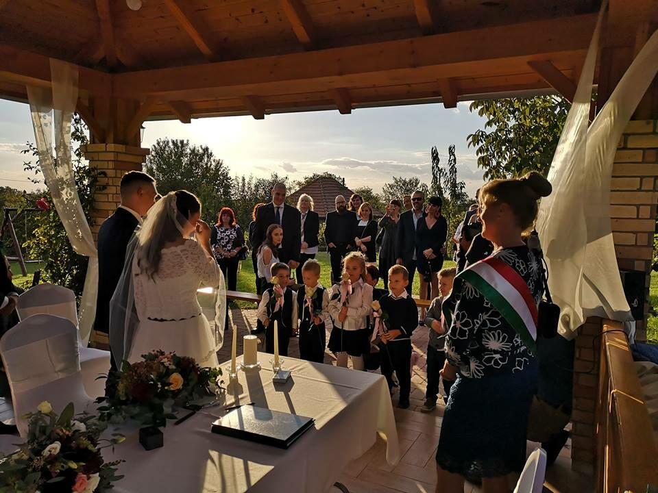 Esküvő, Bettina és Zsolt