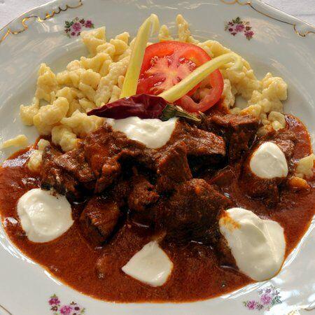 Magyar konyha, vadnyúlpaprikás