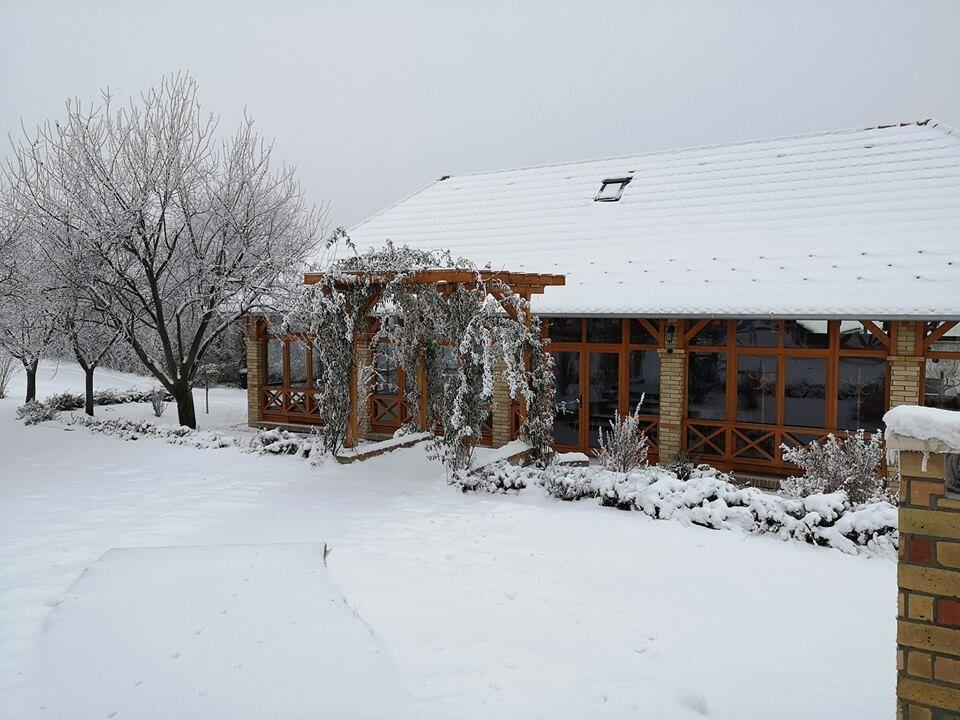 tél a pincefaluban