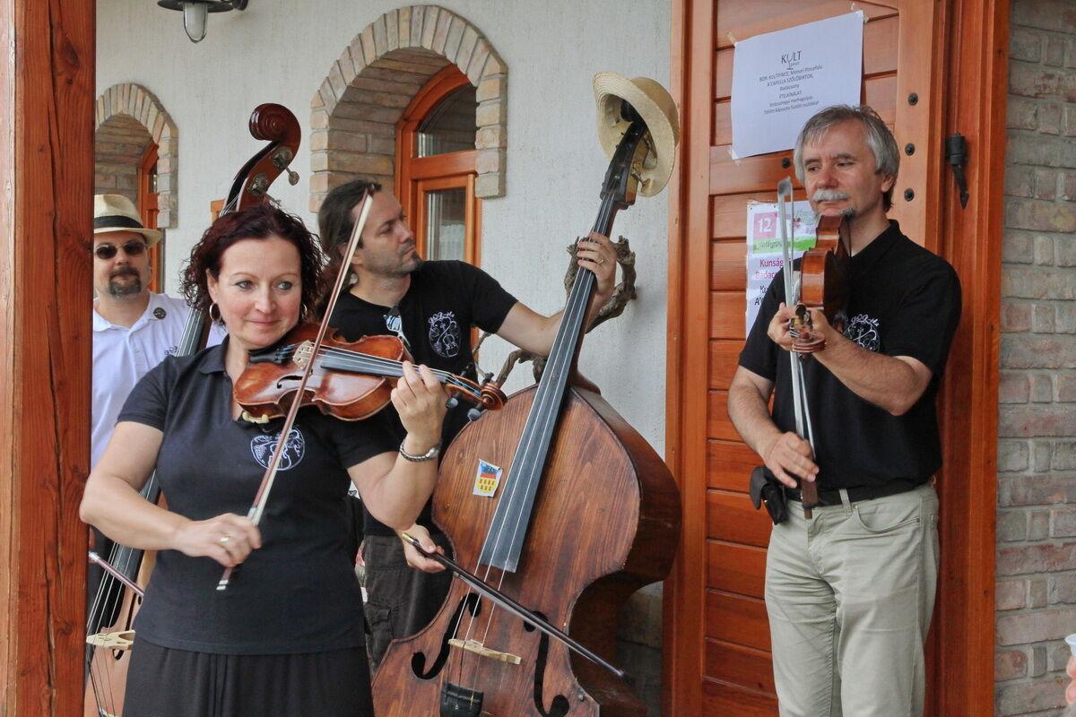 Borvidékek Hétvégéje a KultPincében, BOR-óka zenekar játszik