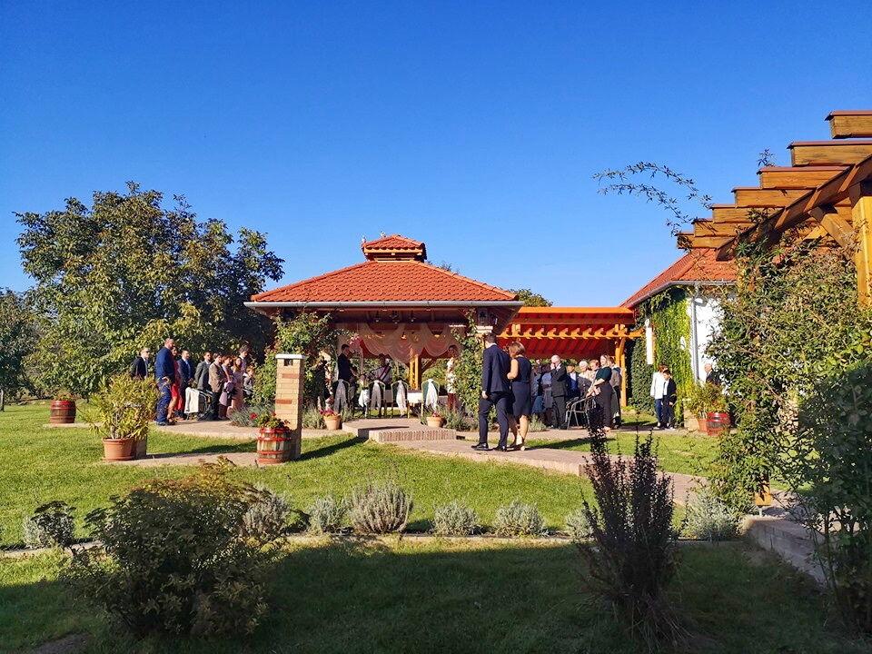 Szeptemberi esküvő a KultPincében