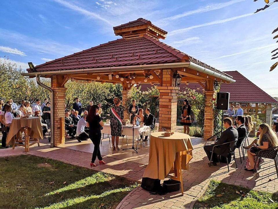 Szabadtéri esküvői helyszín, KultPince