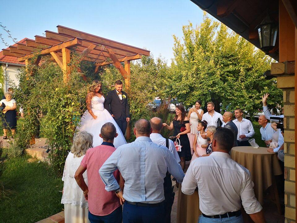 Esküvő augusztus végén