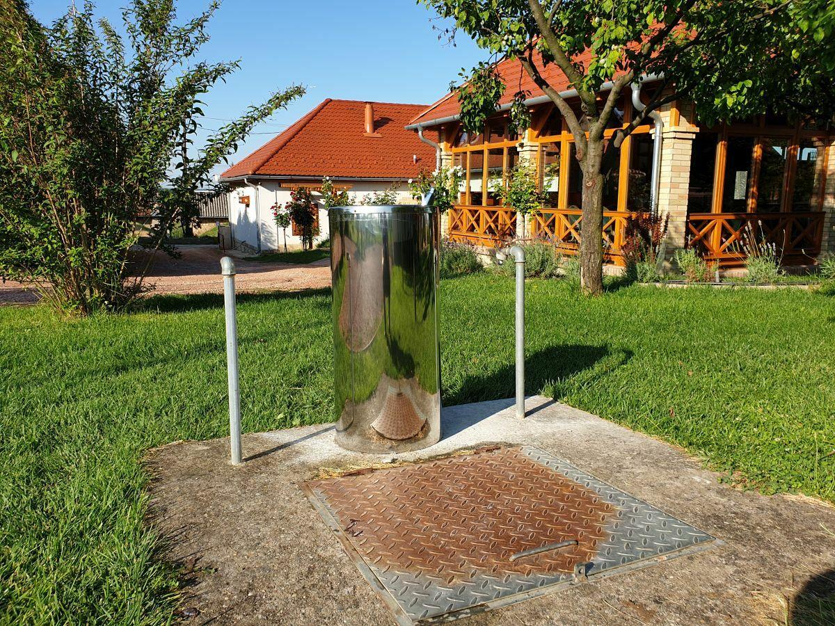 Ivókút, refill pont a KultPince kertjében