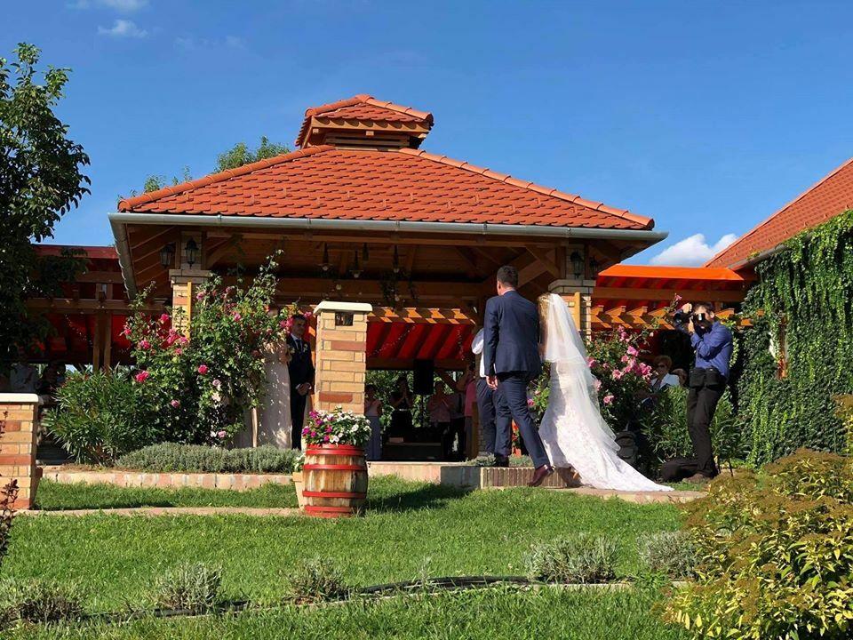 Esküvő augusztusban
