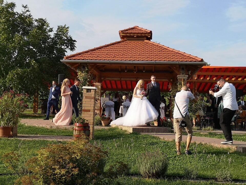 Szabadtéri, romantikus esküvőhelyszín