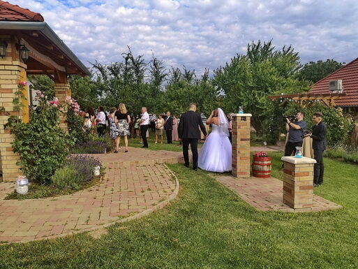 Esküvő gitárzenés vendégvárással