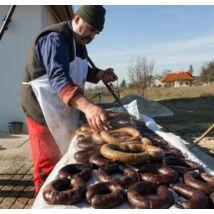 Disznótoros ételek, a májas hurka készítése