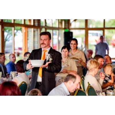 Esküvői menü, felszolgálás, vendégváró falatok, rendezvényhelyszín, esküvői helyszín