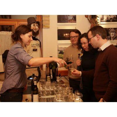 Borkóstoló, borest meghívott vendég borászokkal, kultpince borai, Csendes dűlő szőlőbirtok